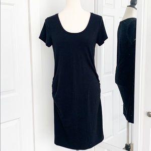 Old Navy Medium Black Maternity Maxi T-Shirt Dress